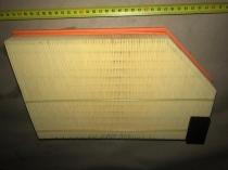 F026400181 Фильтр воздушный VOLVO CARS 1.5-2.4 00- (пр-во BOSCH)